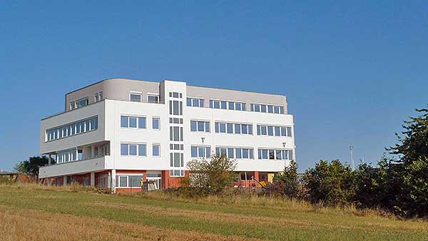 2013-provozni-budova-kyje-001